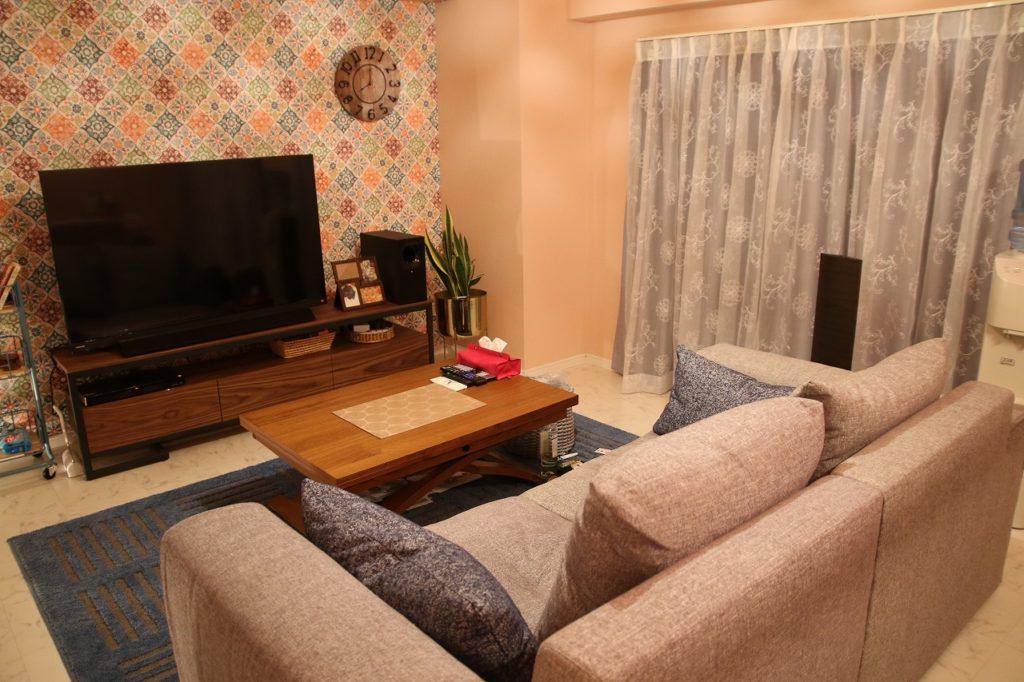 新潟 家具 おしゃれ かわいい かっこいい ピンク グレイ ソファ ローテーブル ゆったり もふ グレー ラグ