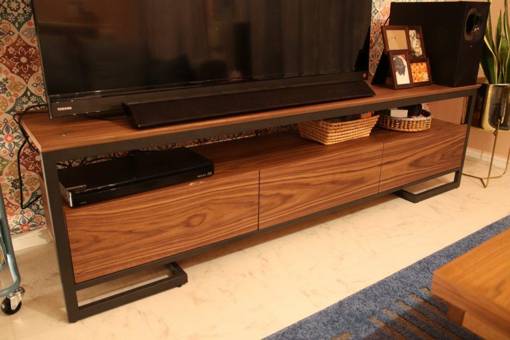 新潟 家具 おしゃれ かわいい かっこいい ピンク グレイ ソファ ローテーブル ゆったり テレビボード もふ グレー ラグ